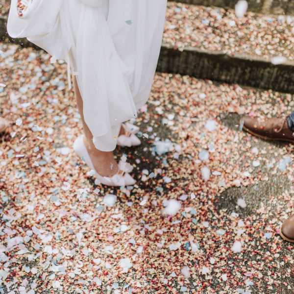 5 Steps To Epic Confetti Photos